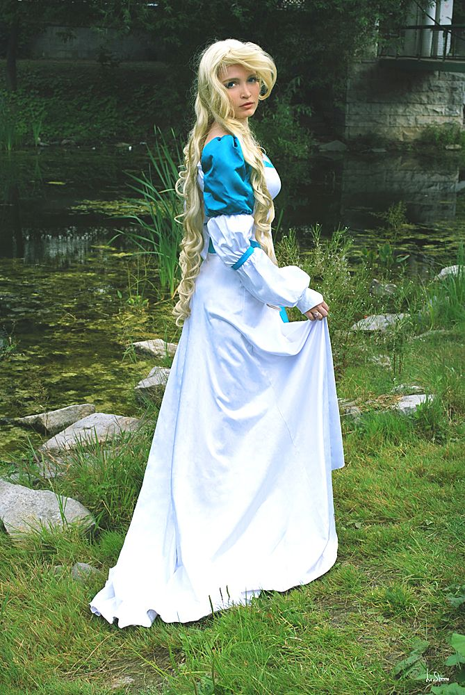 Perfect Cosplay Costumes Turn You into a Princess