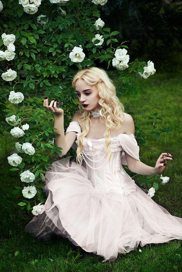 in dress Alice wonderland cosplay