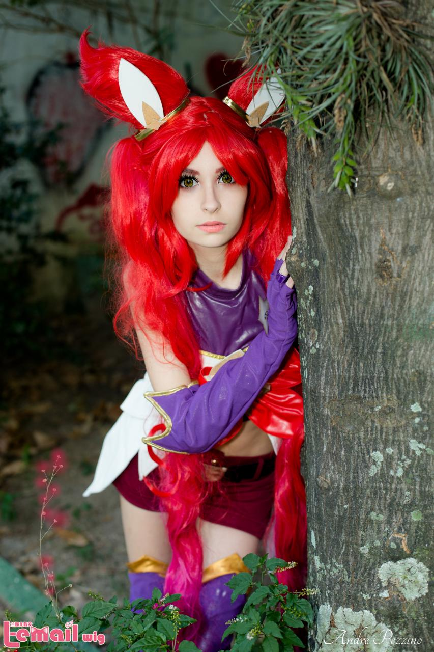 It is a pity if you haven't tried Jinx Star Guardian Cosplay!