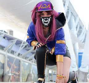 LOL_KDA_Skin_Akali_Long_Purple_Ponytail_Cosplay_Wigs.jpg